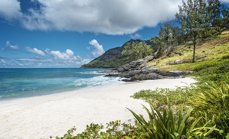 Strand Anse Cimitiere Silhouette Island Seychellen