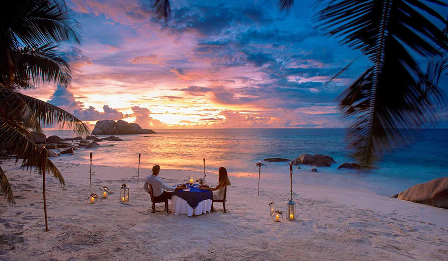 Candle Light Dinner Beach