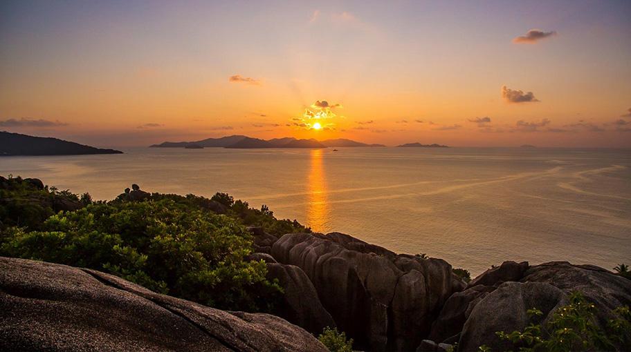 Sunset Six Senses Felicite Island